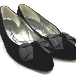 Black Velvet Bow Kitten Heels 7 AA Pumps